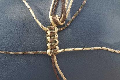 Kordel ausrichten für den Jagdlocker - Snake Knoten