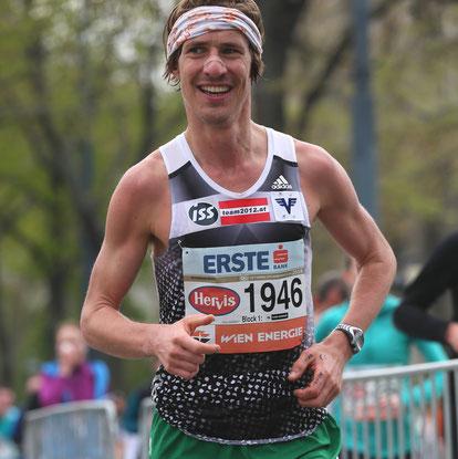 Martin Mistelbauer (team2012.at) läuft einen tollen Marathon und wird mit 2:29:52 Gesamt 22. und drittbester Österreicher!