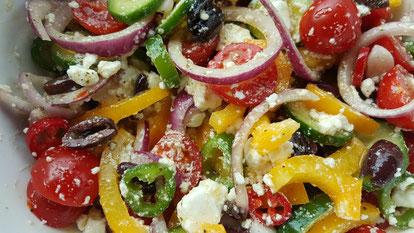 Abends esse ich häufig Salat. (mindestens 2 Portionen)