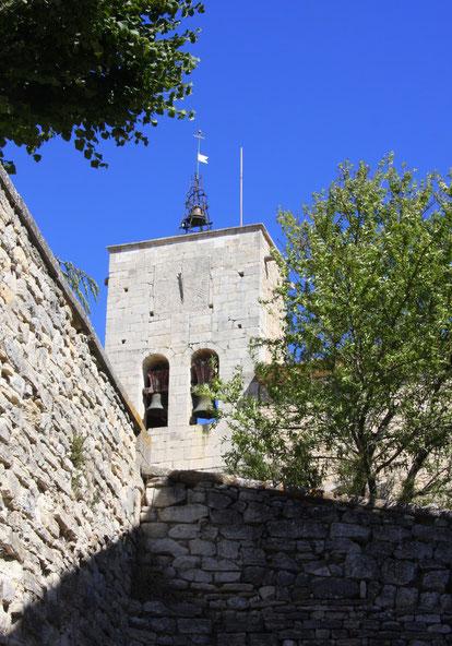 Bild: Kirchturm der romanischen Kirche in Murs, Vaucluse