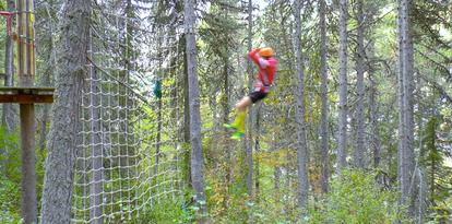 Adrenalin pur beim Sprung ins Netz und der längsten Tyrolienne in Europa