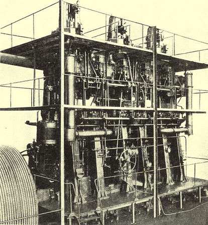 AG Weser-Junkers-Dieselmotor des Frachters Primus mit 12 Kolben in sechs Zylindern.