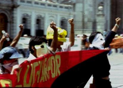 Guatemalas studerende har en lang tradition for radikal politisk aktivitet. Også i Guatemala går politikere og dødspatruljer ind for maskeringsforbud (kilde: leksikon org.)