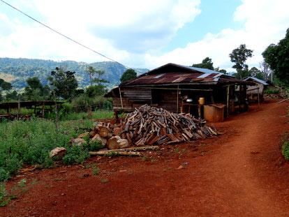 im Dorf der Kayan