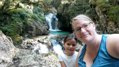 Idyllischer hätte es nicht sein können :-) Der Rückweg entlang der Wasserfälle