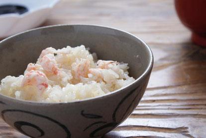 「甘えび飯の素」は甘えびの美味しさを余すところなく盛り込んだ炊き込みご飯のもとです