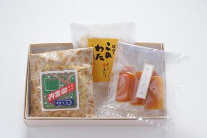 天たつの「日本三大珍味詰合せ」は2人くらいでお酒を楽しむのにちょうど良い量のセットになります