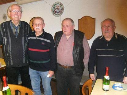 Unsere Skat-Helden: Charly Glorius, Turniersieger Horst Hosak, Arthur Littig und Adolf Rauch