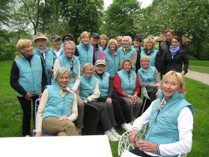 Unsere Damen beim 1. JAB-Anstoetz-Turnier in den gesponserten Westen.