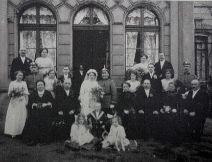 Hochzeit von Ingrid Remkes Vater in Bad Salzungen, mit dabei Oma Röseberg