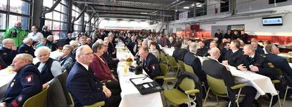 Zahlreiche Gäste bei der Einweihung des neuen Feuerwehrhauses im März 2018. Pressefoto IVZ