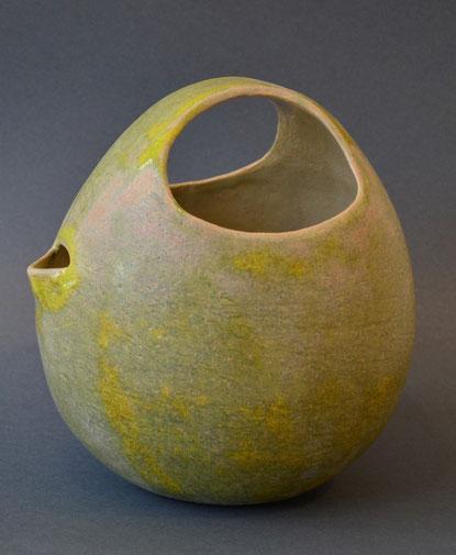 Pot à thé  vert mousse/ 2013/ Ø20x20cm/ ceramic(grès), glaze / sold
