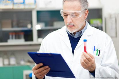 Verträglichkeitstest für Dentalmaterialien im Labor
