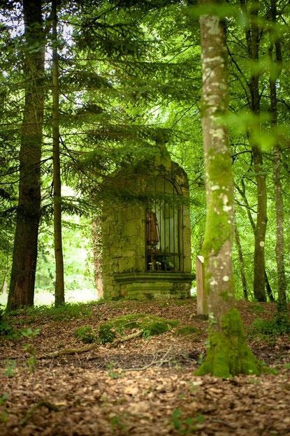 Oratoire Saint Mathurin en forêt de Villecartier-©Stenphoto.fr