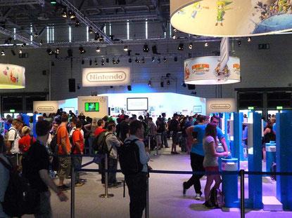 Weniger laut wie Sony und Microsoft, aber nicht weniger interessant: Der Nintendo-Stand