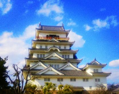 JR福山駅北口にある福山城の写真