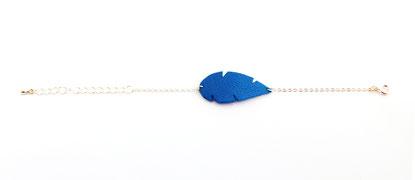 création bijoux, créateur bijoux, bijoux cuir, bracelet cuir, bracelet plume, bracelet bleu électrique, bijoux cuir, plume de cuir, bijoux bleu électrique, bijoux plume, bijoux fait main