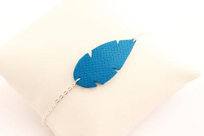 création bijoux, créateur bijoux, bijoux cuir, bracelet cuir, bracelet plume, bracelet bleu électrique, bijoux cuir, plume de cuir, bijoux bleu électrique, bijoux plume, bijoux fait main,