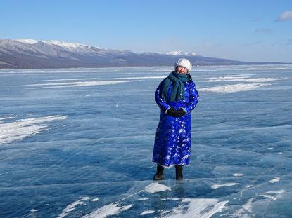Im neuen Deel auf dem gefrorenen See: Projektleiterin Zaya