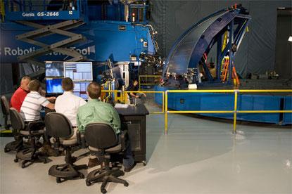 """Erste """"offizielle"""" Schweißung mit Werkzeugen für die Hardware-Testartikel der Ares I-Oberstufe im Marshall Space Flight Center der NASA in  Huntsville, Alabama"""