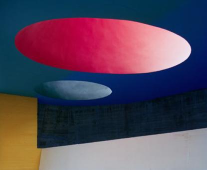 Margret Hoppe, Couvent de Saint-Marie de La Tourette I, Eveux, 2013, C-Print hinter Acrylglas, 140 x 170 cm (c) Margret Hoppe