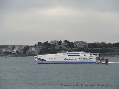 Condor Rapide arriving in Saint-Malo from Guernsey.