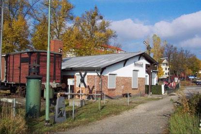 Ehemaliges Sozialgebäude der Deutschen Bahn, heute das Vereinsheim der Helmstedter Eisenbahnfreunde e. V.