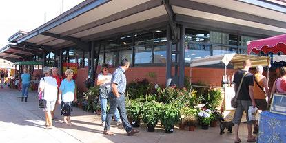 Le marché couvert à St Pierre d'Oléron