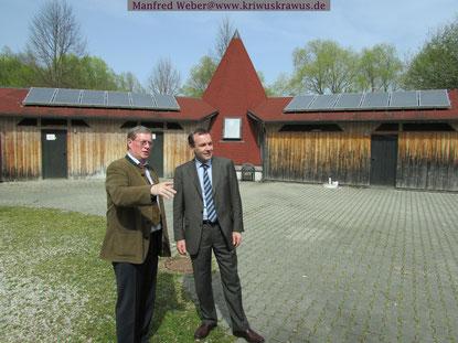Manfred Weber , Fraktionschef der Europäischen Volkspartei und stv.CSU Parteivorsitzender ist (rechts) ein bodenständiger Politiker