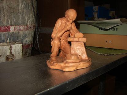 """* scultura che ha vinto della IV edizione del premio S.Francesco """"I damaschi  di Messer Bernardone e il saio di S.Francesco"""