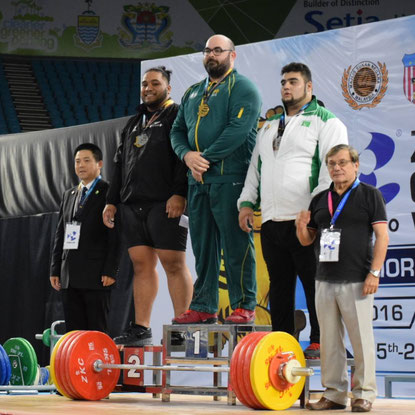 Winning the gold medal at the 2016 Commonwealth Championships.