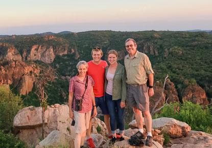 Mit Flos Eltern am Lanner Gorge
