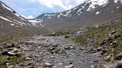 Pause Rast Braunschweiger Hütte Bach Wasser Similaun Hütte Grenze Italien Osterreich Alpen E5 Berge Wandern