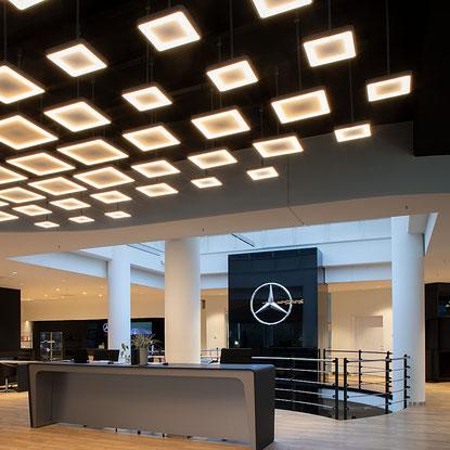 Autohaus Rosier Paderborn Lichtskulptur Willkommenszone