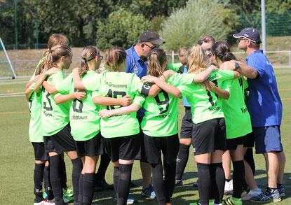 Zufriedenes Team nach dem Sieg gegen Kassel. Foto: Lanzke