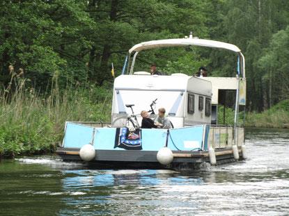 Wohnwagen auf dem Boot