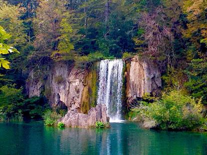 Eine von unzähligen Kaskaden zwischen den Plitvicer Seen