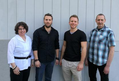 von links nach rechts: Carmen Spiekermann, Benjamin Symalla, Robin Dekker und Thorsten König