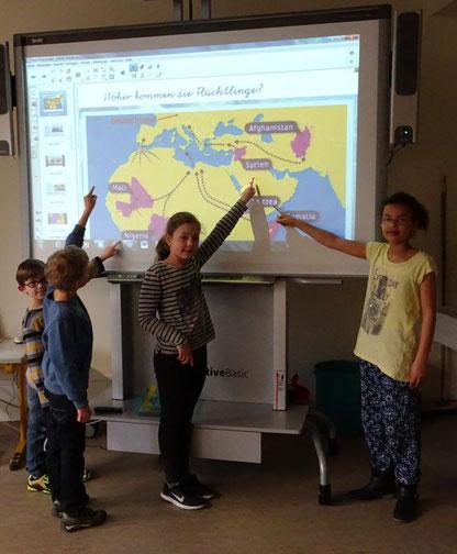 Hier erfahren die Jungen und Mädchen mehr über Flüchtlingskinder