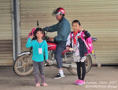 Sourire lumineux d'une jeune Chinoise à Liuzhou @Michel AYMERICH