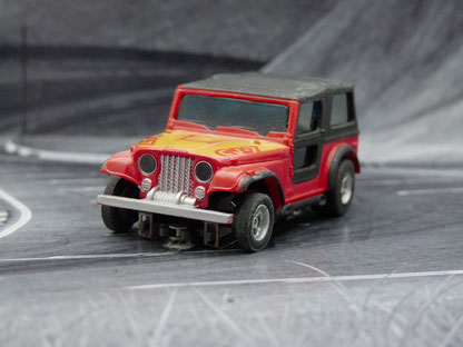 AURORA AFX Jeep CJ-7 rot/gelb