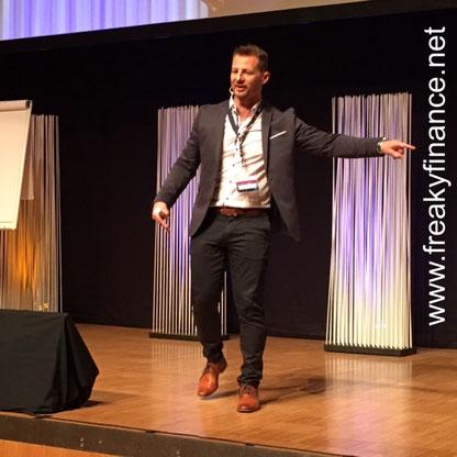 freaky finance, Immopreneur Kongress 2017, Hauptbühne, Darmstadtium, Stefan Rappenglück auf der Bühne