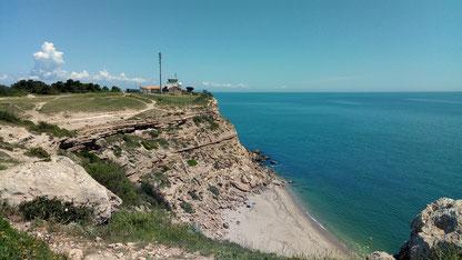 Rando Plaisir de Randos Canétoises au départ du phare de Leucate entre  falaises et étang le 1er juin 2018