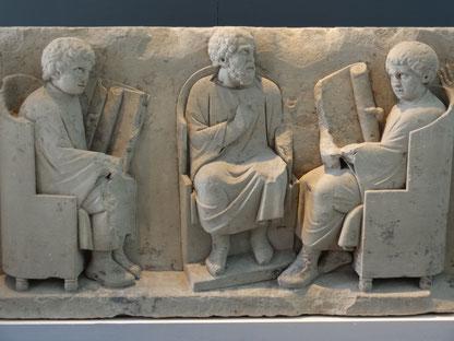 Kapitiolinische Museen, Rom:  Schulszene auf einem Sarkophag