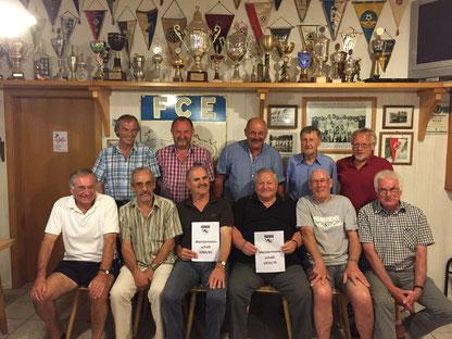 18.07.2015 - Gruppenfoto der Meistermannschaft von 1974/75 und 1984/85.