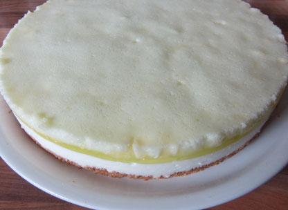 Diättorte für den Sommer / Bikinitorte / Bikinifigur-Kuchen aus dem Kühlschrank: Apfel-Joghurt-Torte