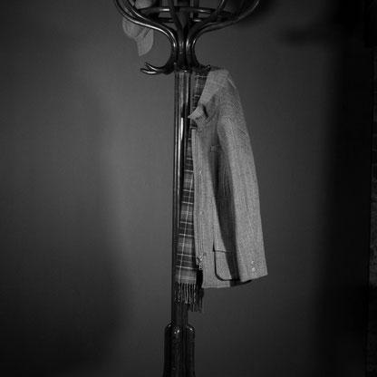 portemanteau; porte; manteau; porte-manteau; bois; sur pied; sur; pied; mural ;manteu; mantau; manteua; mantea; perroquet; thonet; chapeau; vestiaire; bistrot; ancien; vintage; idee; blog; deco; décoration; entrée; entree; hall; rangement; patere; patère