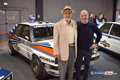 Vinicio Mais in posa con Miki Biasion davanti alla Lancia Delta verniciata da lui tanti anni fa