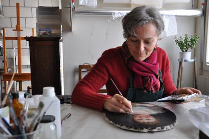 Véronique Bacher Tillmanns, atelier de restauration d'art, tableaux, sculptures polychromes, objets en cire, canton de Vaud