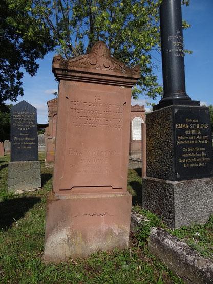 Grab und Grabstein von Lina Wetterhahn geb. David